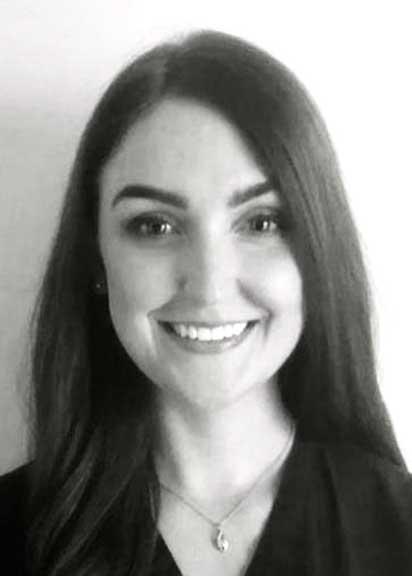 Niamh Hartnett   Dentist